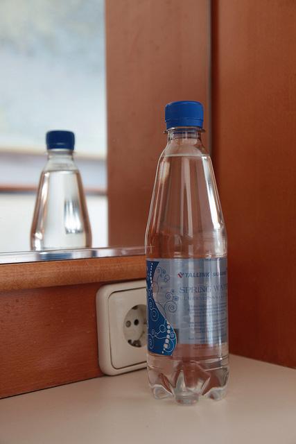 ペットボトルの水はサービス