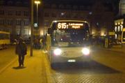 615番のバス photo by foter