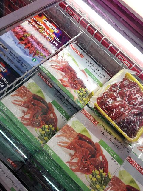 スーパーの冷凍ザリガニ