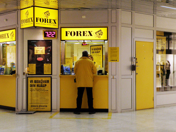 FOREX photo by foter