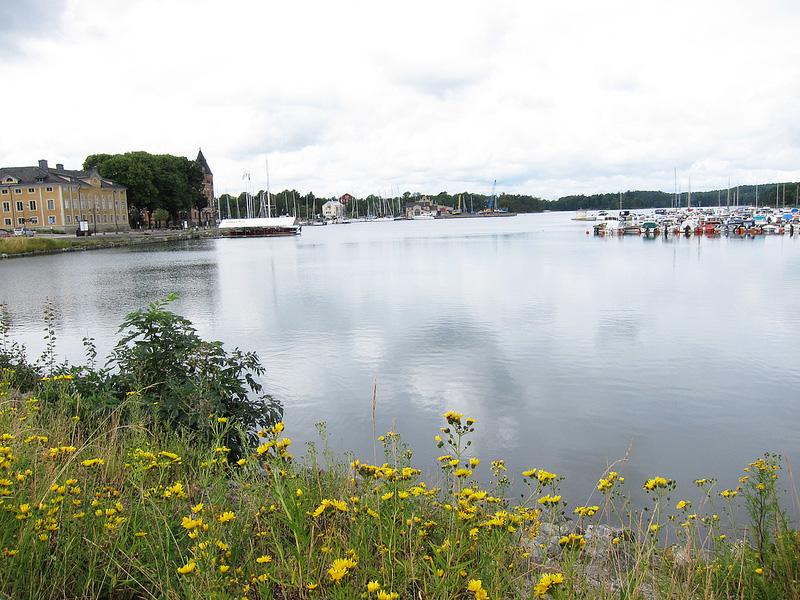 湖畔の美しい町