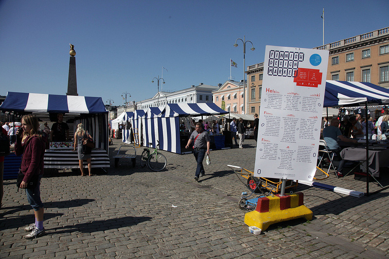 ヘルシンキのマーケット広場 -3- デザイン系ショップがずらり、フィニッシュデザインマーケット