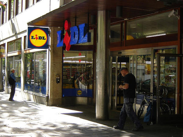 LIDL Sveavägen店 photo by foter